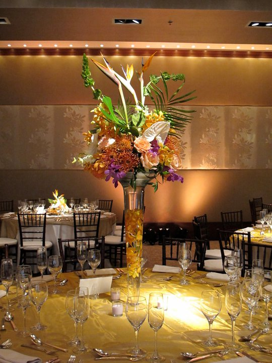 Table Display Tropical